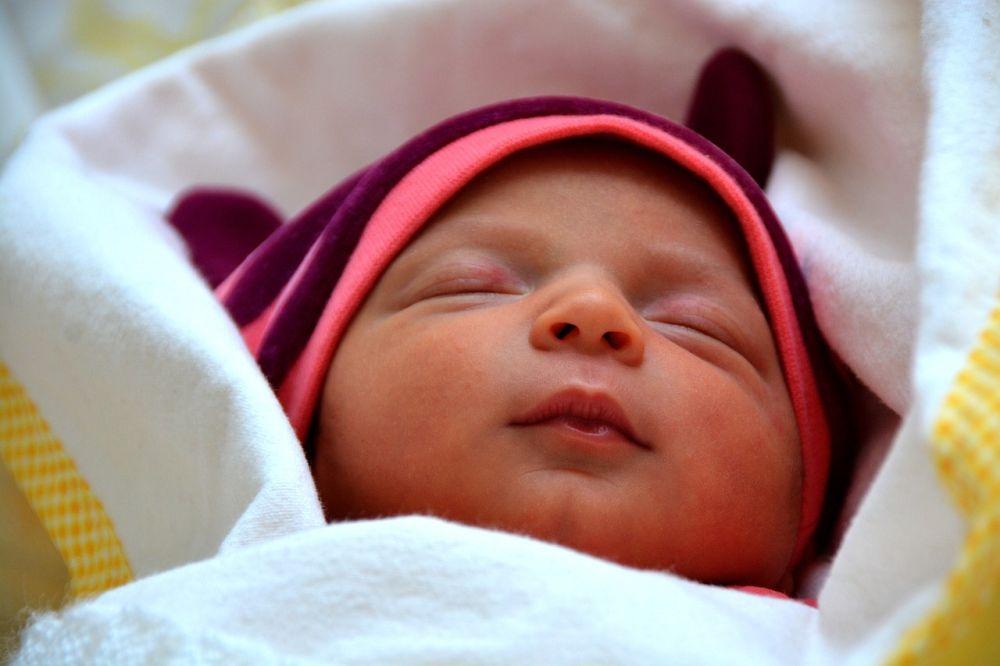 Pościel dla niemowlaka – z poduszką czy bez?